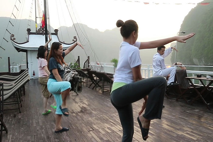 10 incontournables baie halong cours tai chi