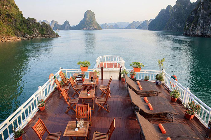 10 incontournables baie halong croisiere