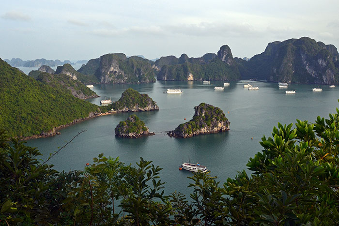 10 incontournables baie halong montagne titov