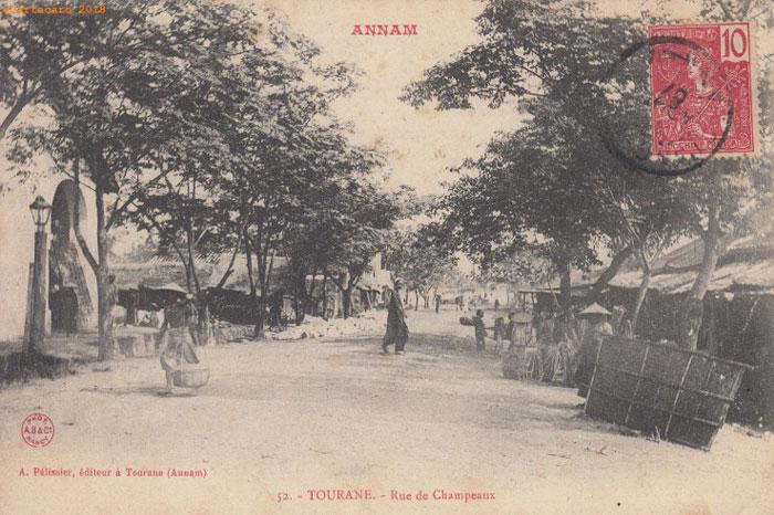 Tourane Vietnam rue chapeaux