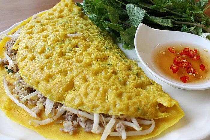 Spécialités culinaires sud Vietnam banh xeo