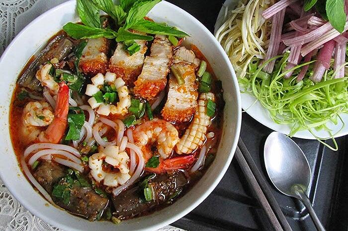 Spécialités culinaires sud Vietnam bun ca