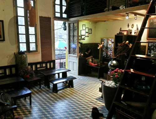 cafe hanoi house