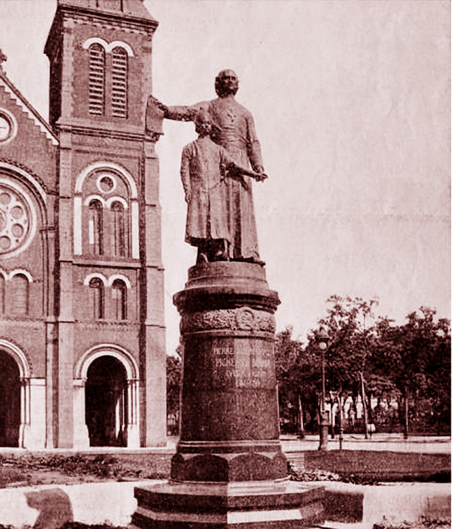 cathedrale notre dame saigon statue mgr