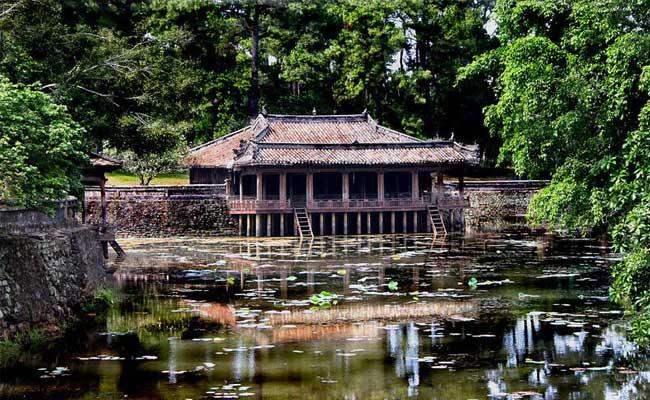 circuit vietnam 12 jours hue tombeau roi