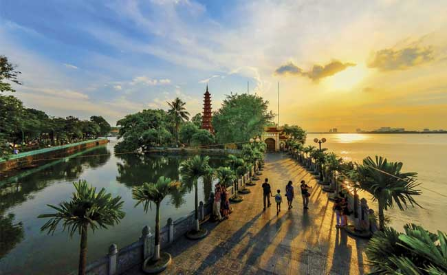 circuit vietnam 14 jours hanoi pagode tran quoc