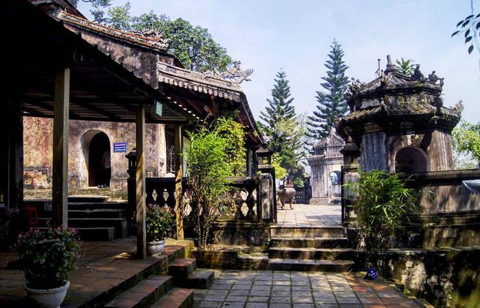 cite imperiale hue alentours temple