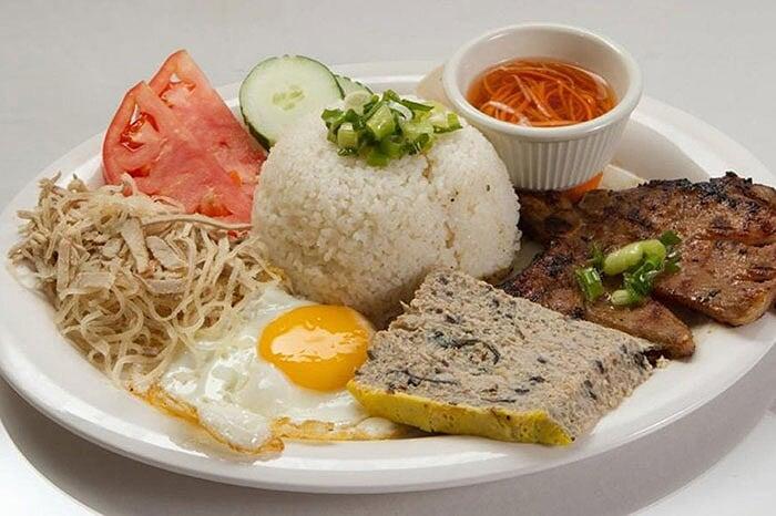 Spécialités culinaires sud Vietnam com tam