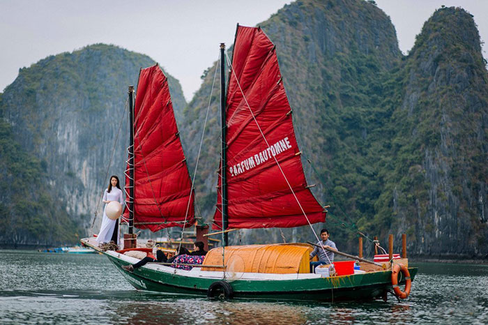 Culture Vietnam jonque Halong