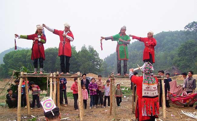 ethnie dao ceremonie cap sac