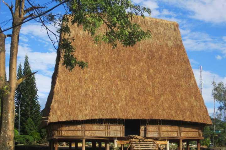 ethnie gia rai maison communale