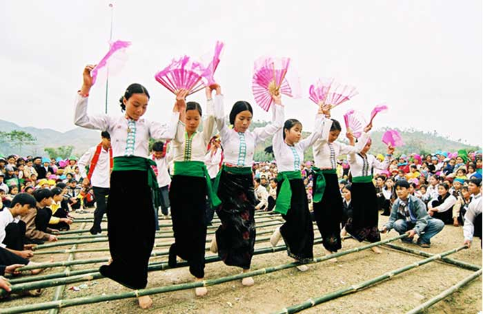 ethnie vietnam thai danse traditionnelle
