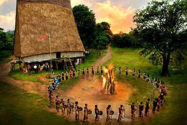 lac lak vietnam danse gongs