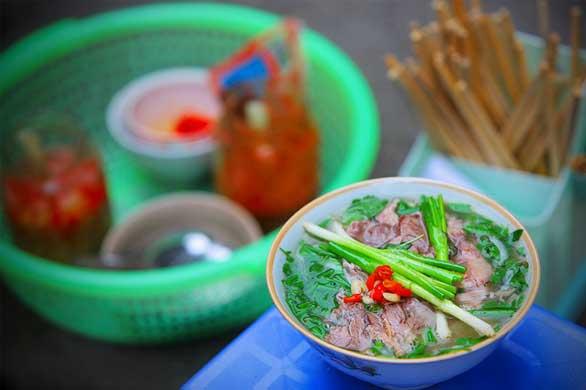 le pho hanoi cuisine de rue