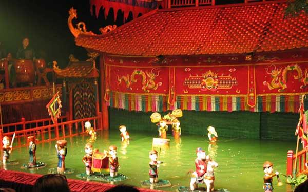 marionnettes sur eau fete village hanoi