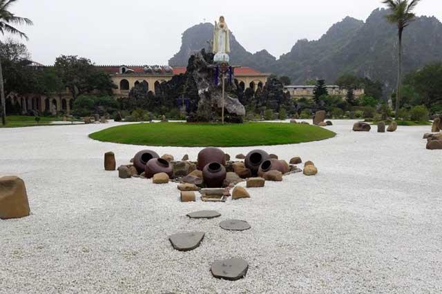 monastere chau son ninh binh jardin
