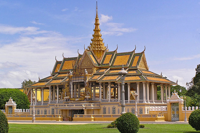 palais royal phnom penh pavillon clair lune