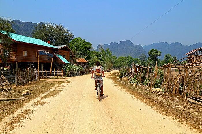 vélo Laos Phou Hin boun