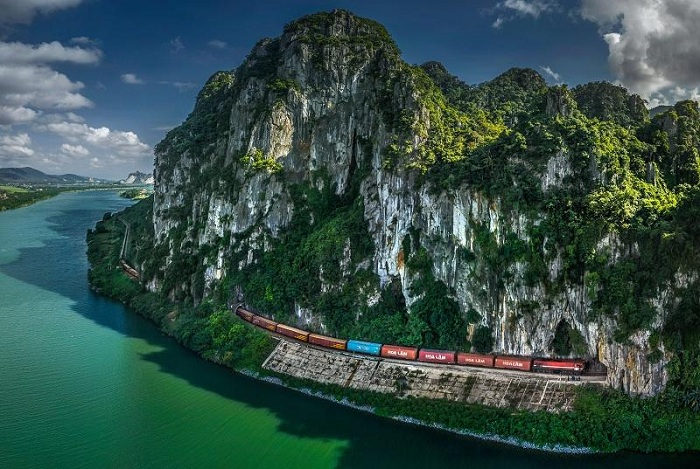 photo Vietnam train