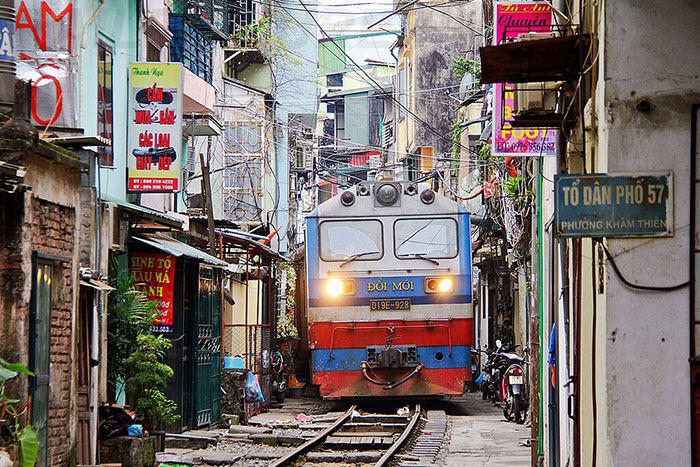 rue du train Hanoi passage train