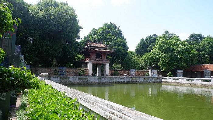 temple litterature hanoi puits
