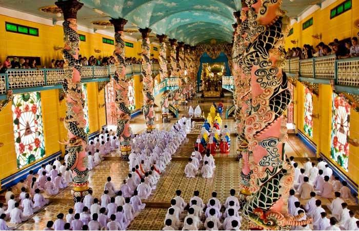 temple cao dai priere midi