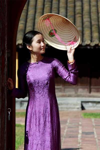 tenue vietnamienne ao dai hue