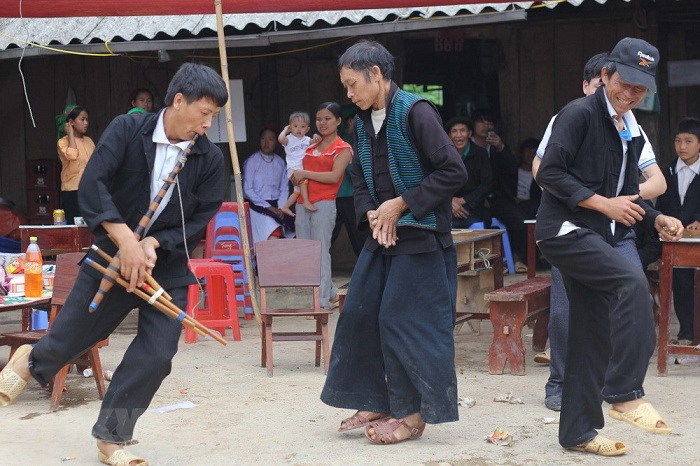 tet des hmong vietnam spectacle traditionnel