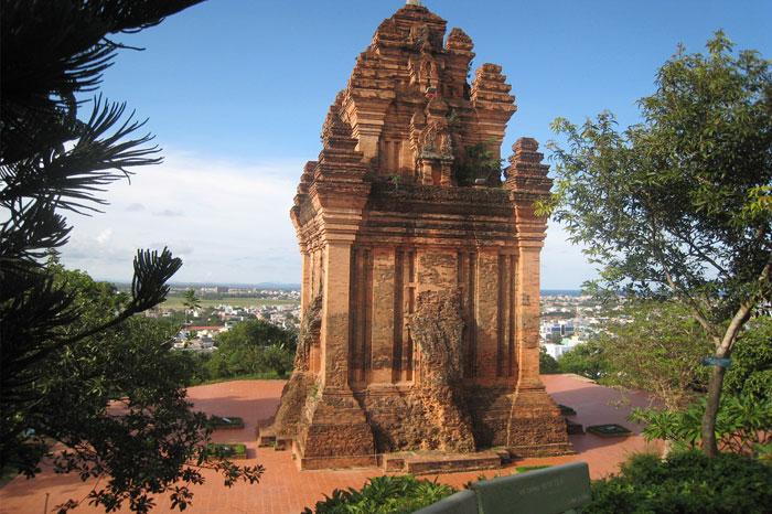 Tour Nhan
