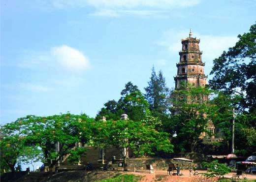 visiter vietnam pagode thien mu hue