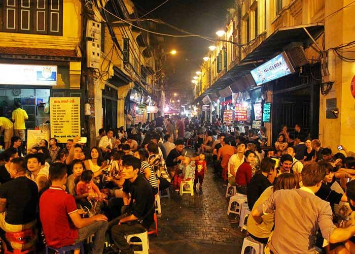 vieux quartier hanoi cuisine de rue