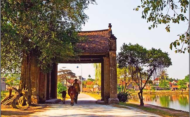 village duong lam portique entree visiter hanoi