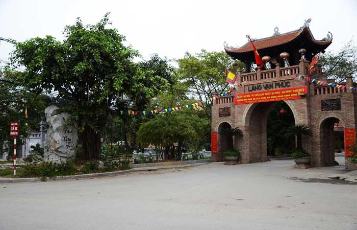 village metier autour hanoi soie van phuc