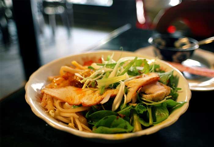 ville hoi an specialite culinaire cao lau