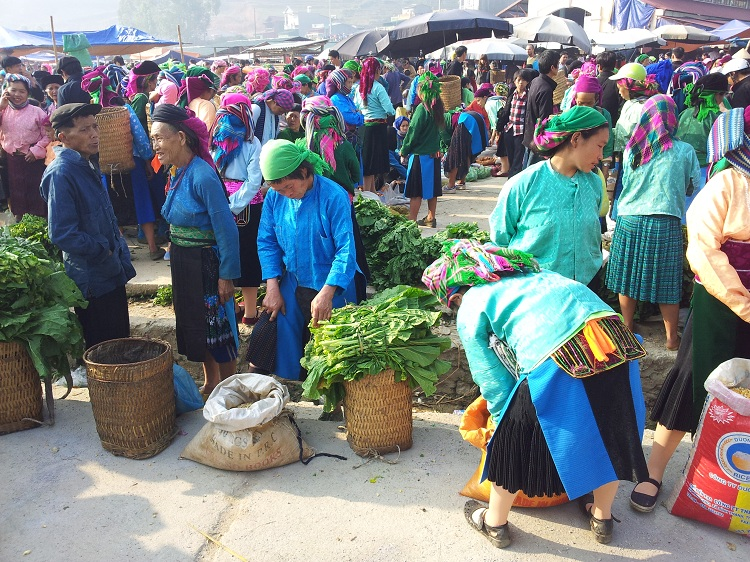 visiter ha giang marche ethnique