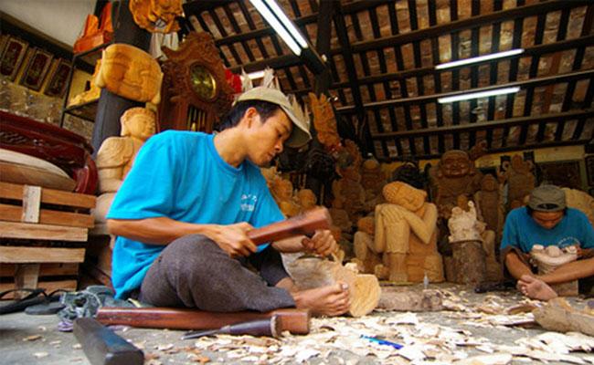 visiter hoi an village artisanal bois atelier