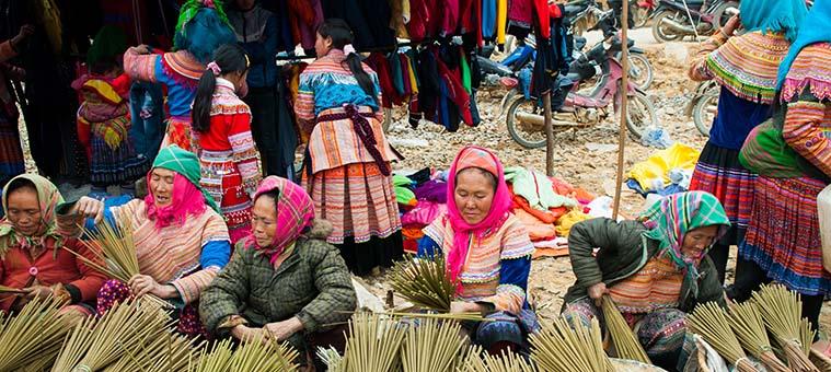 visiter vietnam fete marche ethnique